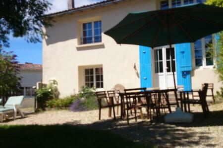 La Fermette beau gite 4/7 pers - Chenac-Saint-Seurin-d'Uzet