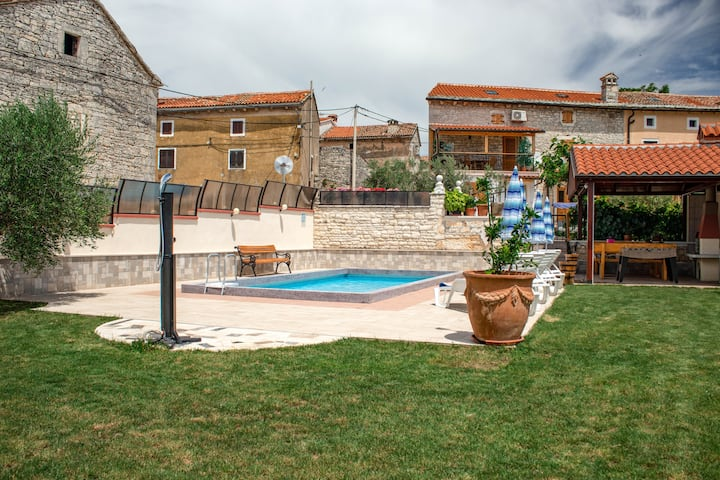 Holiday home Darko - ideal getaway for 4 people