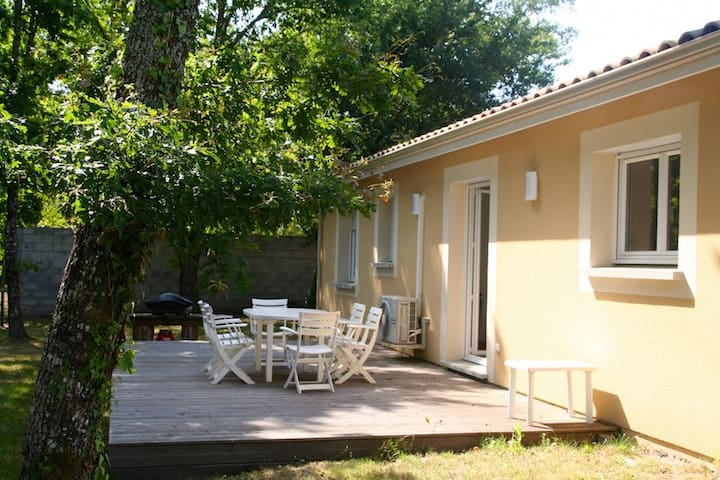 Nice and modernly furnished house in Le Porge