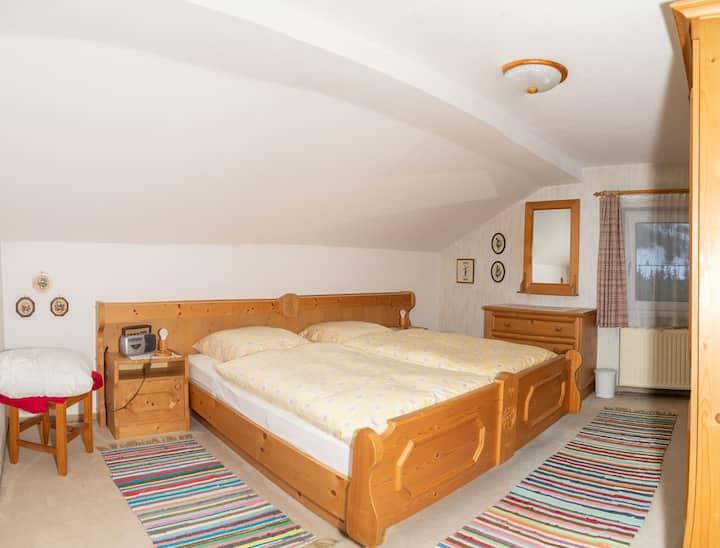 Dachgeschosswohnung für 4 Personen, 72 m2