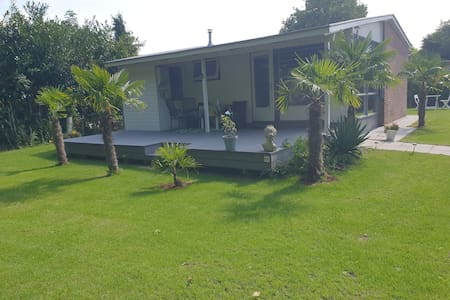 Palm Tree beach house  IJsselmeer Lemmer