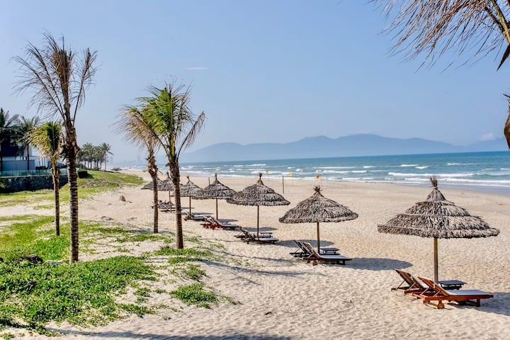 Ocean villa 3 bedrooms with few steps to BEACH