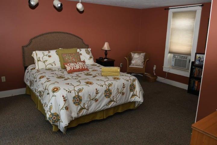 Susquehanna Avenue Suite