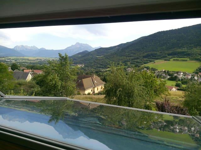 Agréable maison de village - Pierre-Châtel - Rumah