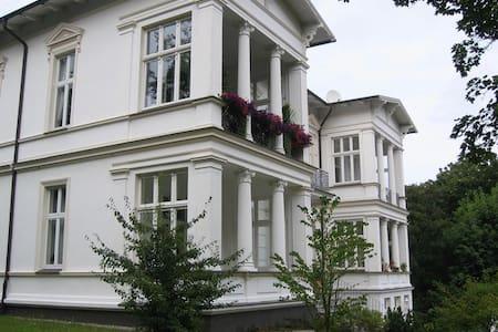 Modernes PENTHAUS auf der VILLA ALBA - Seebad Heringsdorf