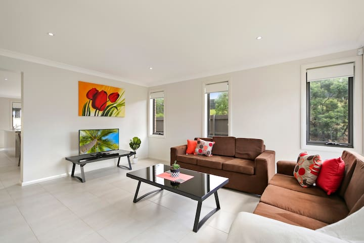 CITY LODGE 25 - SYDNEY GREAT VALUE - Casula