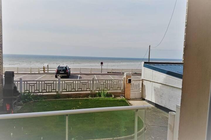 Studio avec terrasse vue mer