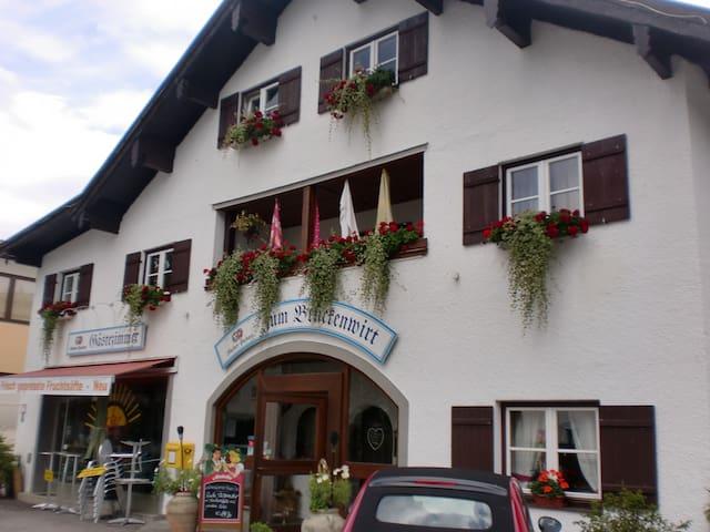 Ferienwohnung in Percha  am Starnbergersee