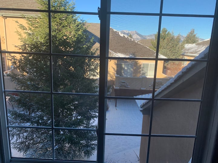 Home Away From Home-Colorado Springs Rental