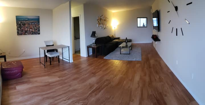 Entire Beautiful 2 Bedroom Home