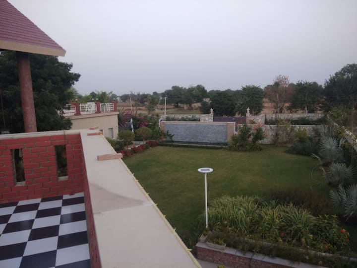 SM Villa- farm house with all modern amenities