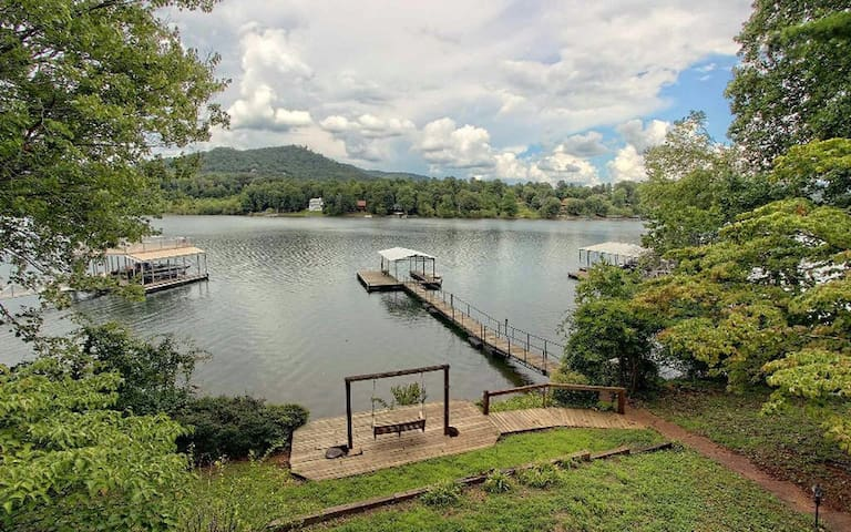 Peaceful Lakefront Retreat w/Pvt Covered Dock