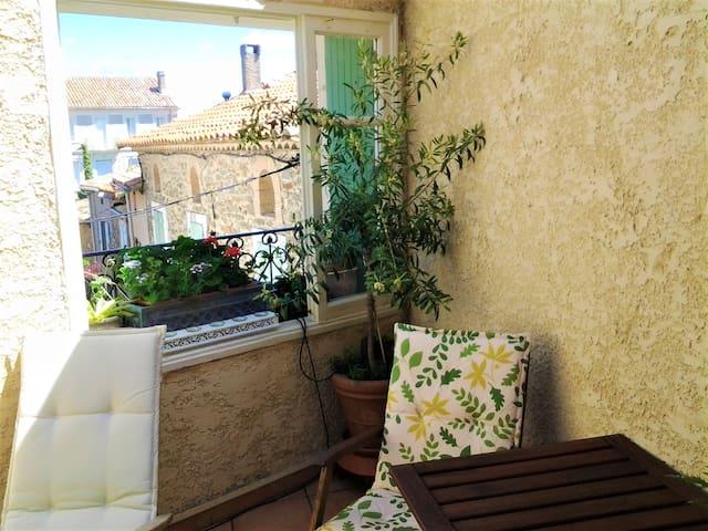 Pen haus Med terrassen & Wifi