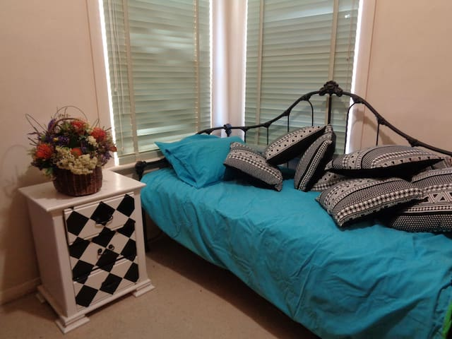 Single room in Gawler close to Barossa Valley