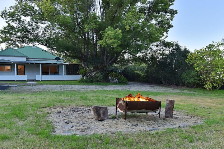 Tabitha Hill Cottage (pet friendly) close to wineries and nature