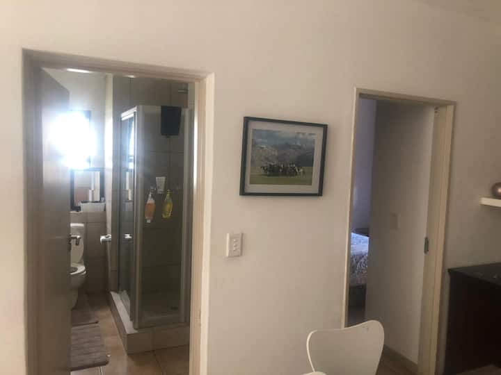 Gorgeous 2 bedroomed apartment (fully furnished)