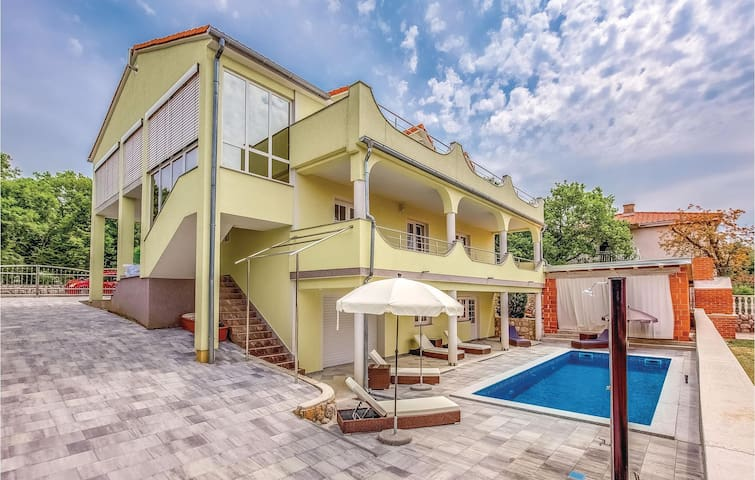 Holiday apartment with 1 bedroom on 31 m² in Smrika