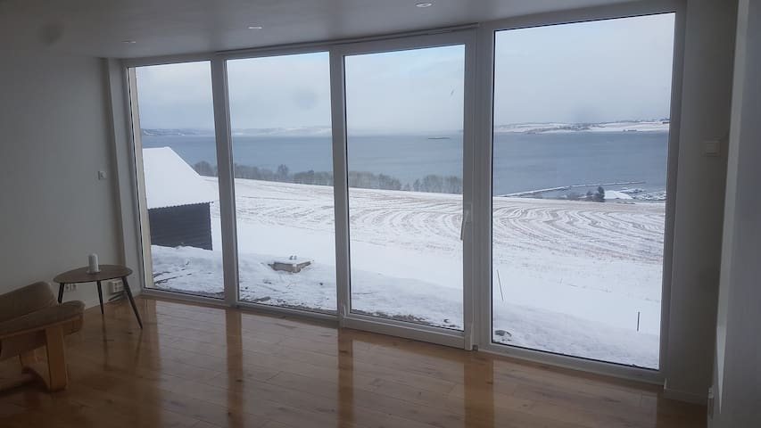 Panorama glass suite/house. Ocean panorama sentral