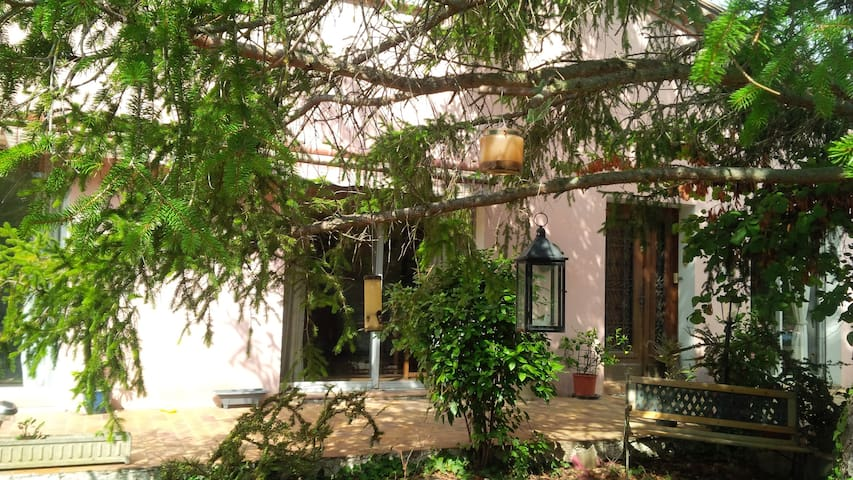 Rooms available in large detached house with pool - La Digne-d'Aval - Haus
