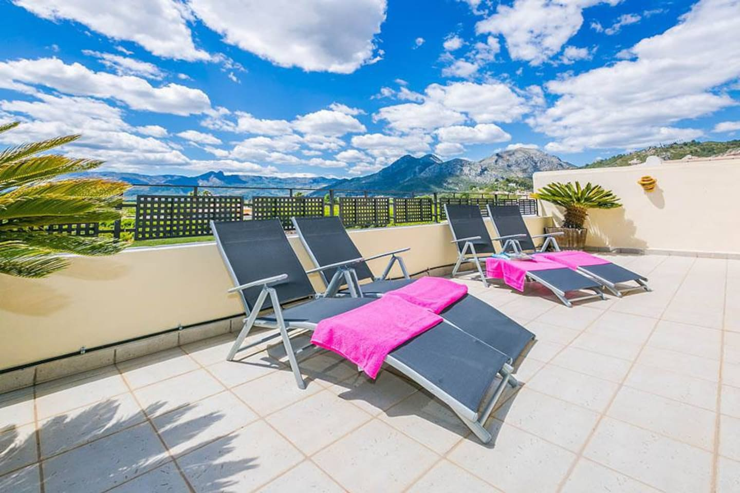 Relax on The South Facing Balcony With Fantastic Views Across the Orba Valley.