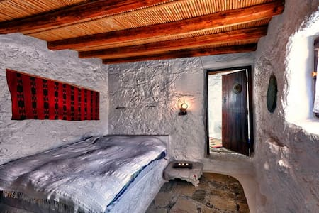 Aspros Potamos, traditional cottage - Makry Gialos - Bed & Breakfast