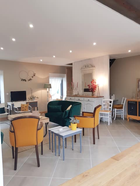 Entire country house in Sarthe for 12 people.