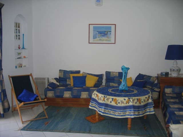 Tanger, plage Achakkar: appartement en bord de mer