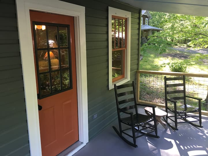 Chimney Rock Cabin, No cleaning fee!