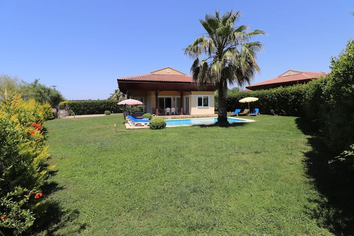 Villa TR07 only 490 meters to Beach