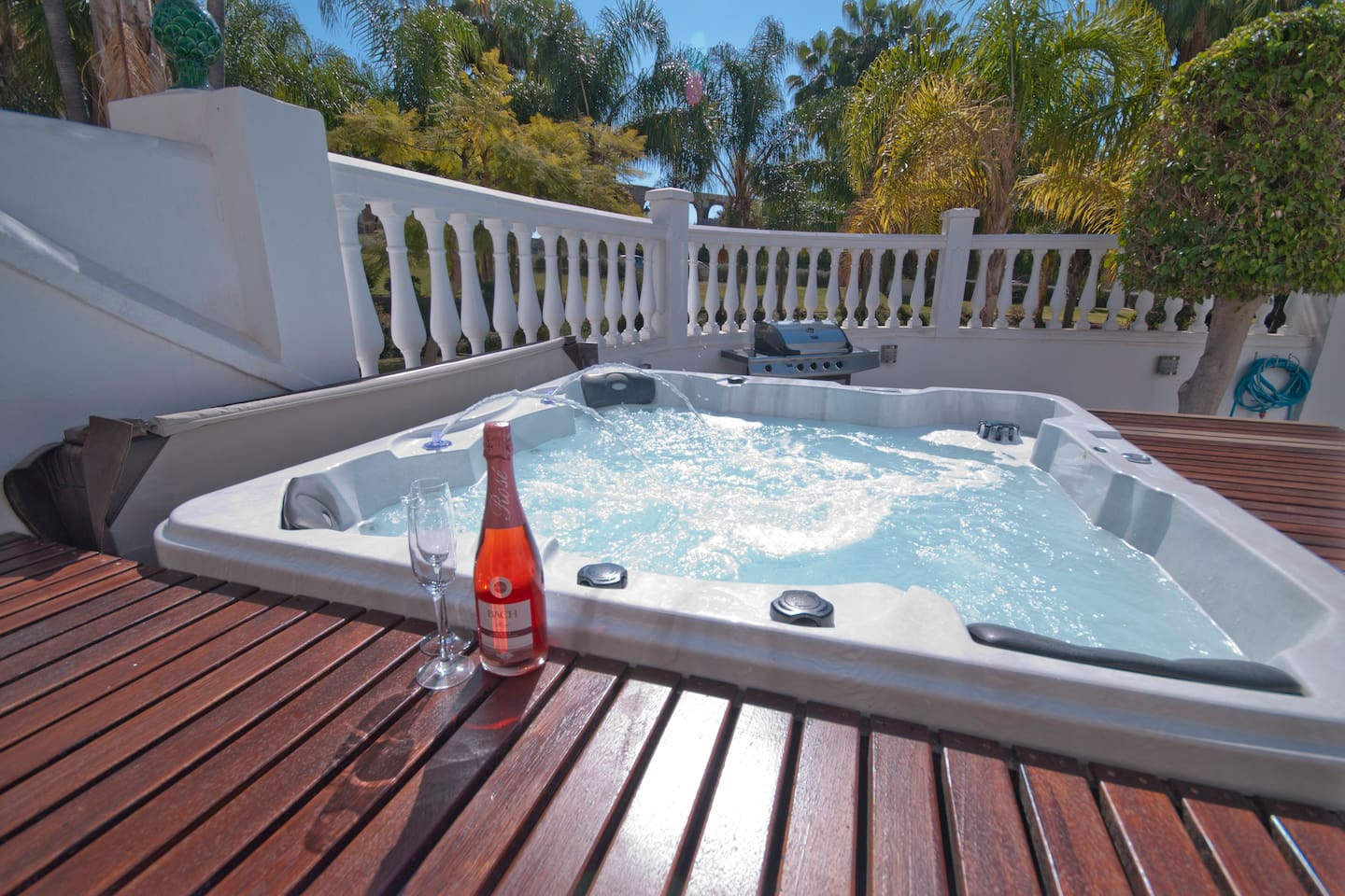 Nerja Luxury! Modern Apartment with Jacuzzi - Condominiums for Rent ...