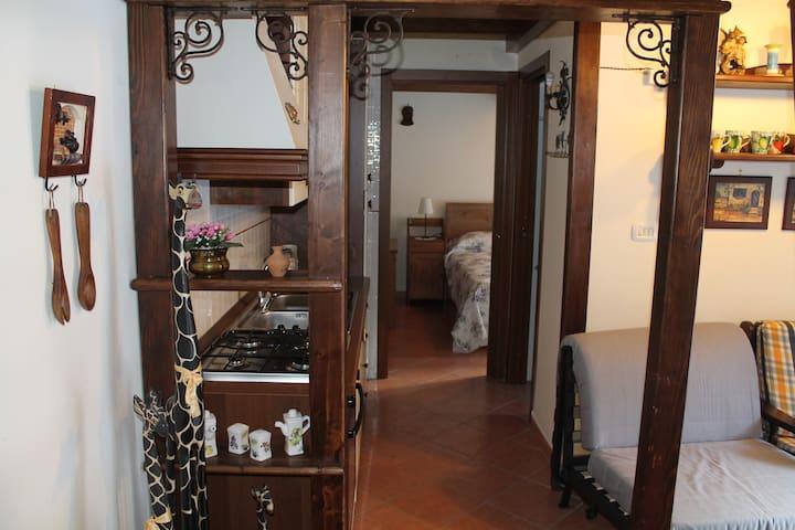 grazioso appartamento a Roccapia - Rocca Pia - Apartemen