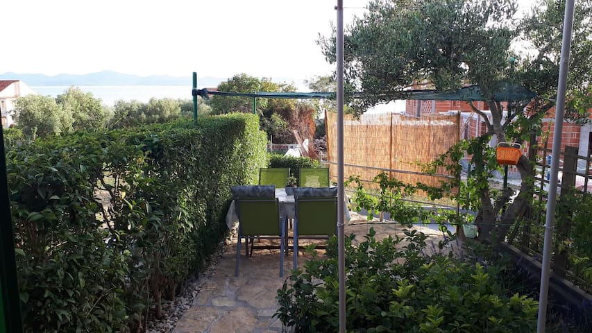 One bedroom apartment with terrace and sea view Kožino, Zadar (A-5893-b)