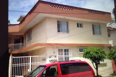 Se renta departamento en Coatepec - Coatepec - 公寓