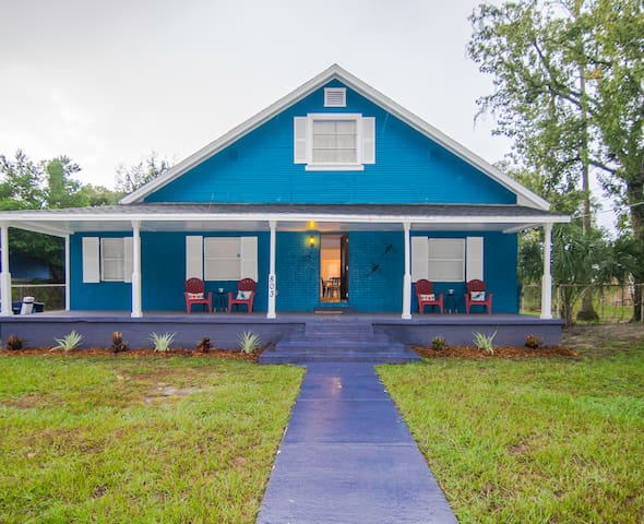 Near it All, Seminole Heights Bungalow