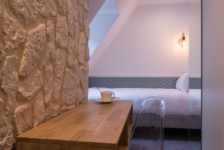 Cozy Room for 1 near St Martin Canal
