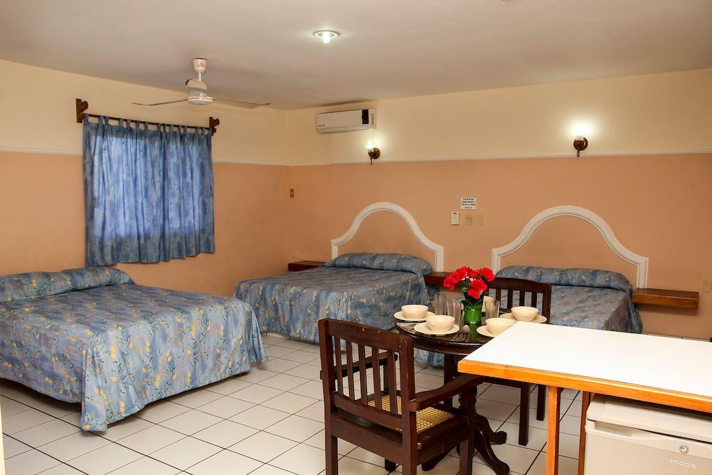 Habitación de 3 camas matrimoniales