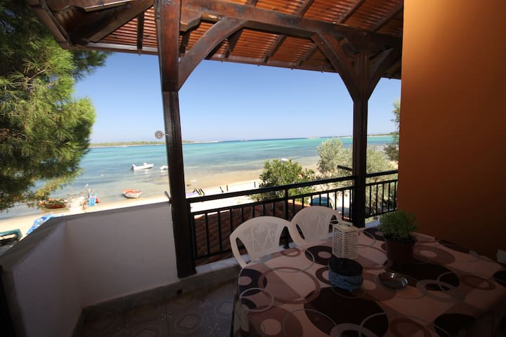 ON THE BEACH - Vourvourou - Appartement
