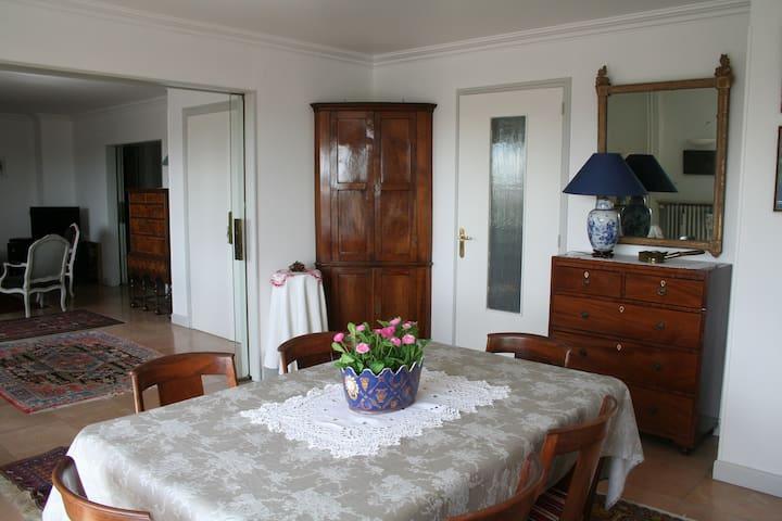 appartement 140m² hypercentre pour 8 personnes max - Dijon - Wohnung