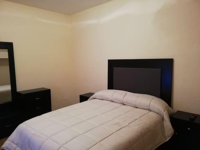 ...Centrica agradable habitacion para dos personas