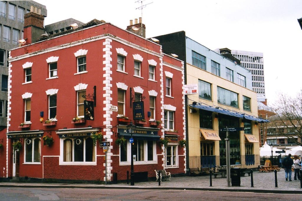 My flat is on the top floor of the river end of the famous Old Duke pub block! You can sometimes hear the jazz!