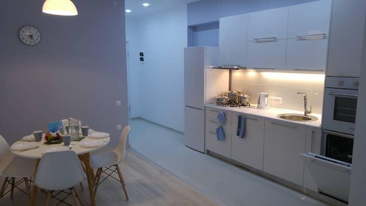 Modern 2-bedroom Apartment in central Batumi