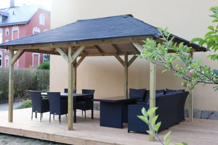 Leuke, comfortabele villa met sauna, thuisbioscoop en grote tuin in het Ertsgebergte