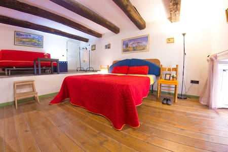 Lovely Loft in the Real City-Centre of Naples! - Napoli