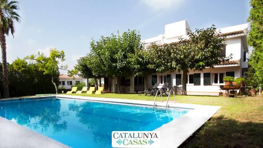Villa Roda de Bara for up to 18 people, only 800m to the beach! - Costa Dorada - Villa