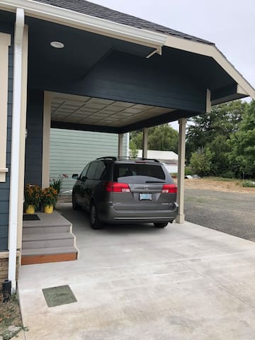 Off street parking in carport