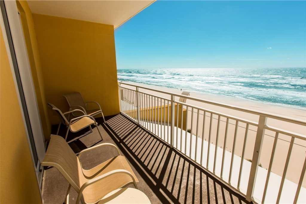 2 Bedroom Condo Direclty On The Beach Sterling Reef 205