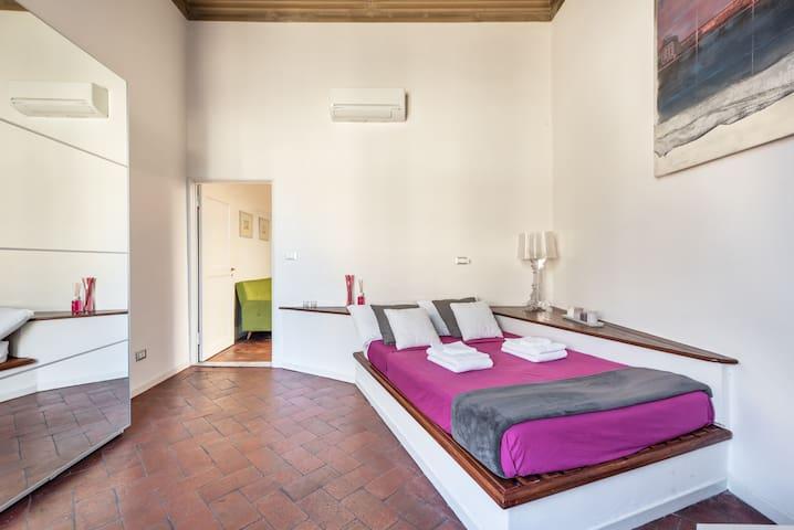 Borgo la Croce Apartment - Florence