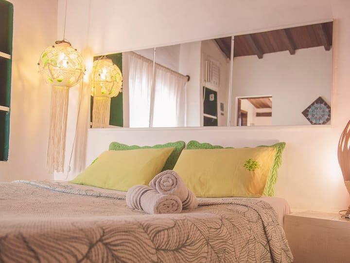 Casa Mykonos - Suíte encantadora com varanda.