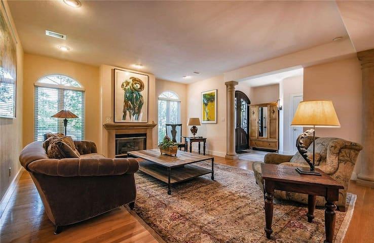 Denver Cherry Creek 6500 sq' Affordable Luxury