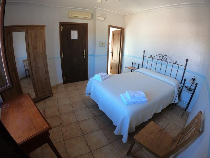 Habitación doble - cama matrimonial / Double room